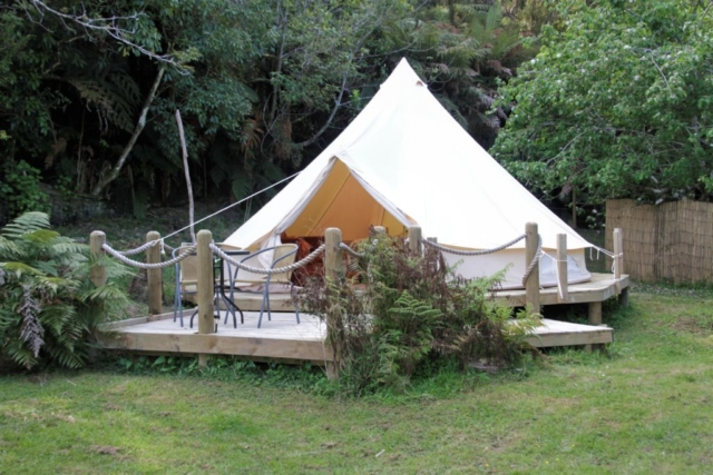 Glamping, Bell tent